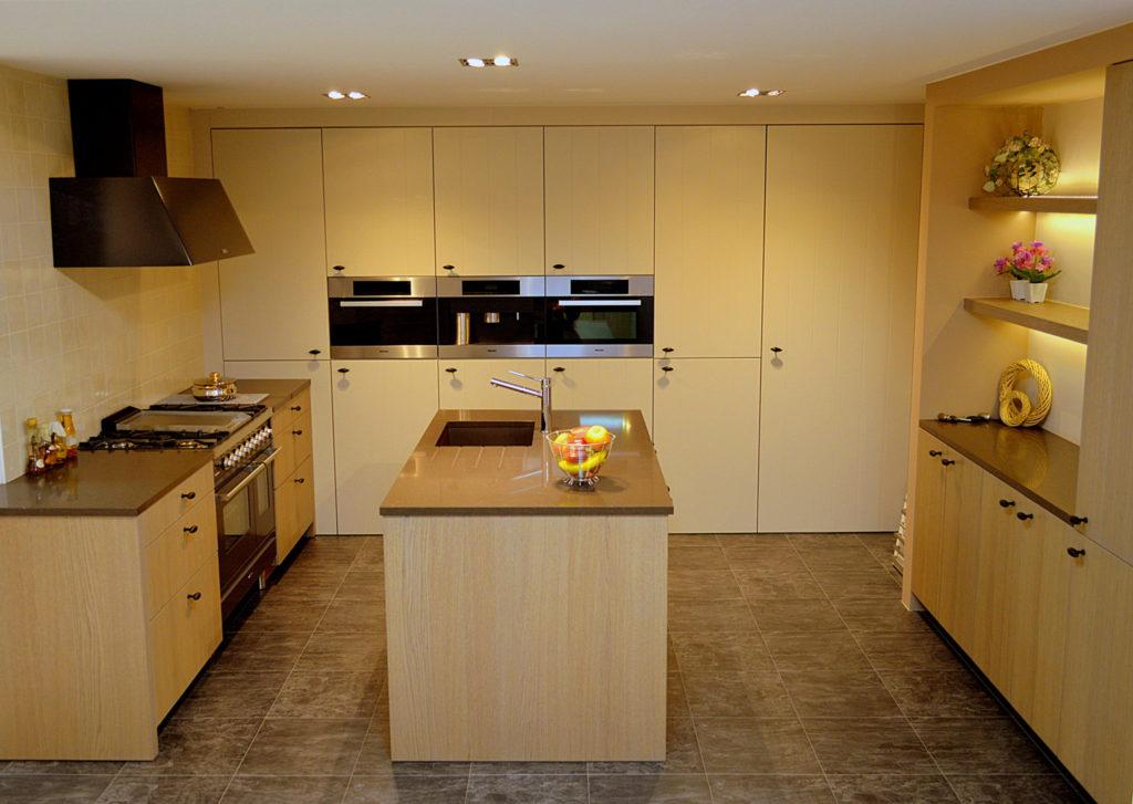 foto toonzaalkeuken 3 landellijke keuken